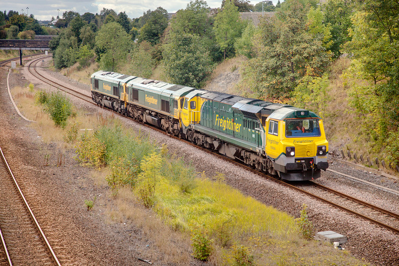 70006 in Horbury Cutting at the head of an 0Z24 Crewe Basford Hall to Leeds Midland Road on September 17th 2010