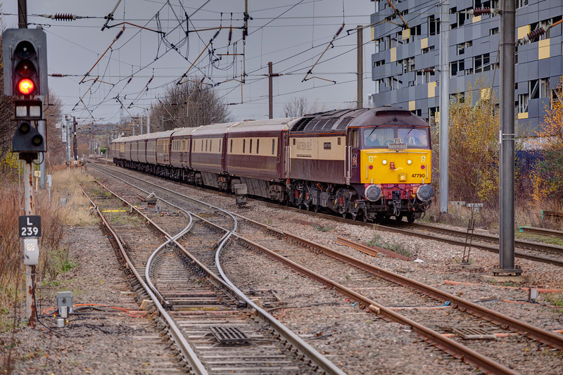 47790 rolls toward and through Wakefield Westgate with a 1Z30 Leeds to Hartlepool on December 14th 2011.