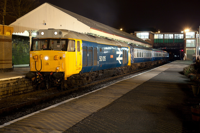 """50015 """"Valiantly"""" recreates the 1980s at Bury on an EMRPS Photo Carter on Saturday January 29th 2011"""