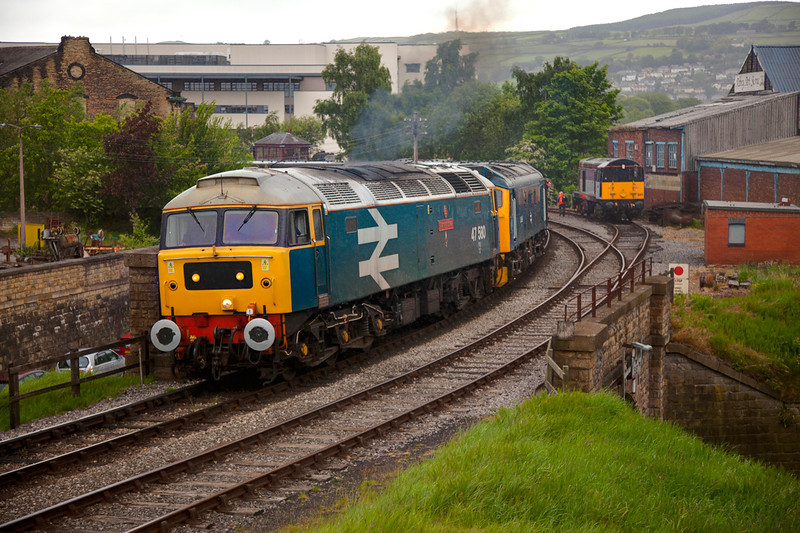 47580 + 25059 departing Keighley in the rain with the 12:50 service to Oxenhope on May 20th 2011