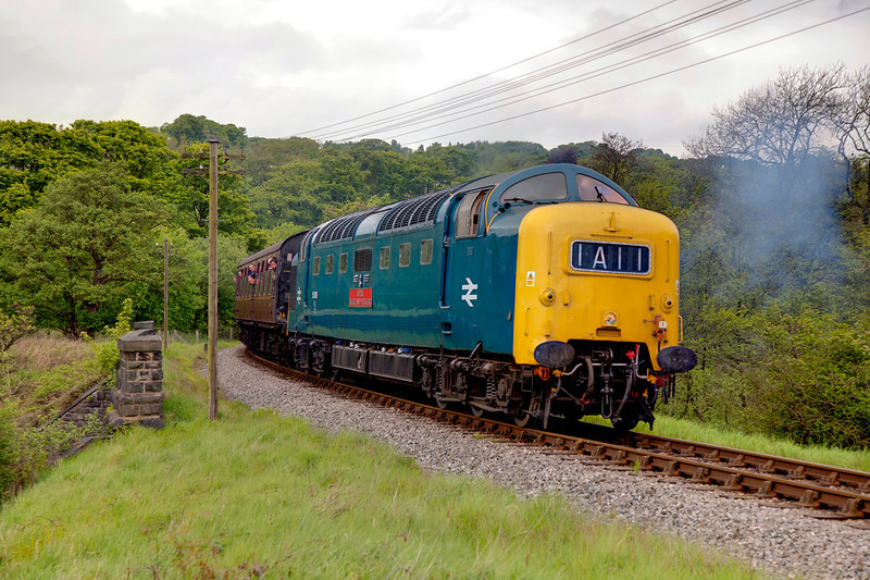 55019 about to enter Mytholmes Tunnel with the 15:20 Keighley to Oxenhope on May 20th 2011