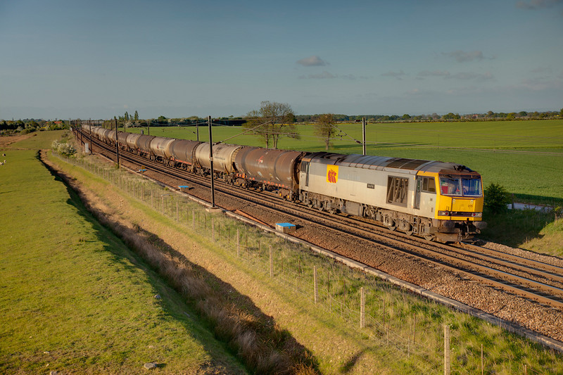 60015 passing Colton with a 6D43 Jarrow to Lindsey OR tanks on May 2nd 2011