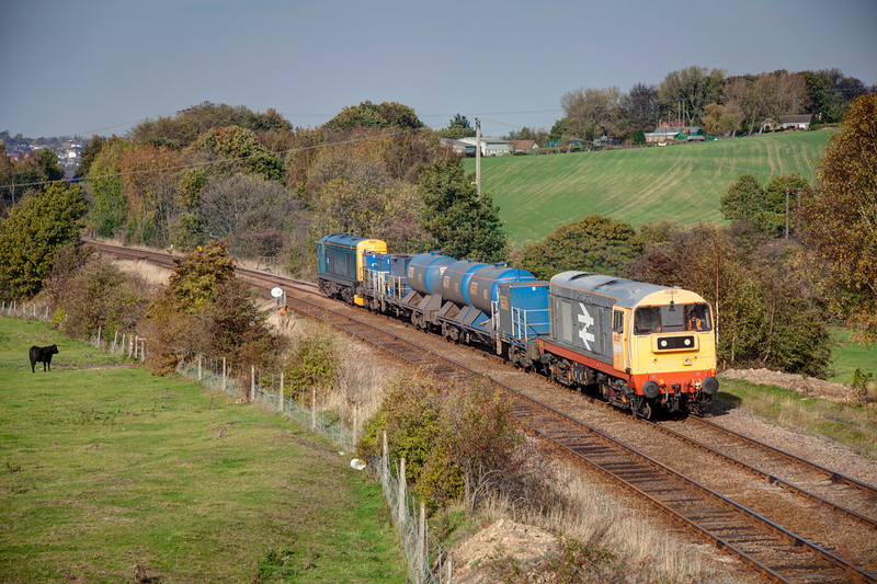 20227 leads 20096 through Crigglestone with a 3S14 11:14 Grimsby Town to Malton RHTT on October 24th 2011.