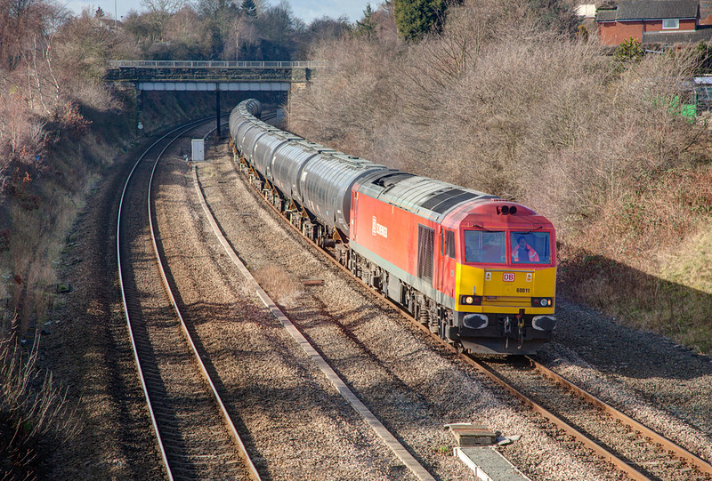 60011 crawls through Horbury Cutting passing Dudfleet Lane with a 6E32 Preston Docks to Linsey OR Bitumen empties on February 16th, 2012