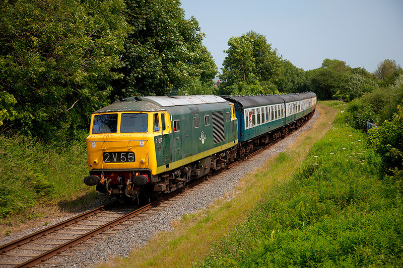 D7076 at Pilsworth with the 2J81 13:55 Heywood to Rawtenstall on 5th July 2013