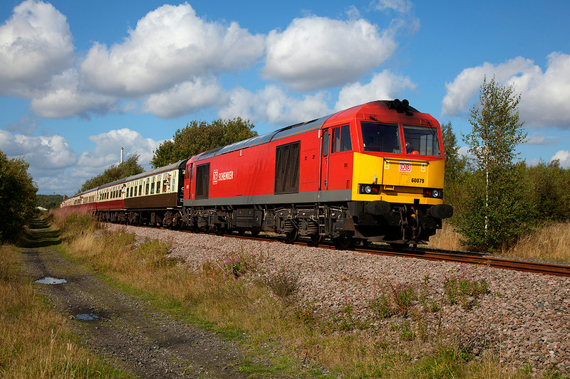 60079 brings up the rear of a 1Z42 15:35 Monk Bretton to Finsbury Park approaching Pools Lane Royston running 15 mins early on 30th August 2014