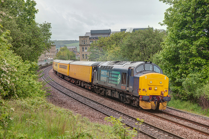 37419 growls out of Dewsbury after a booked 40 minute stop in the centre road with a 1Q13 08:05 Neville Hill to Barnsley on 8th May 2014