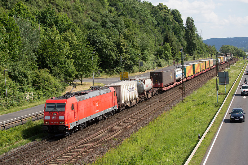 185-296 heads north at Linz with a freight on 13th June 2015