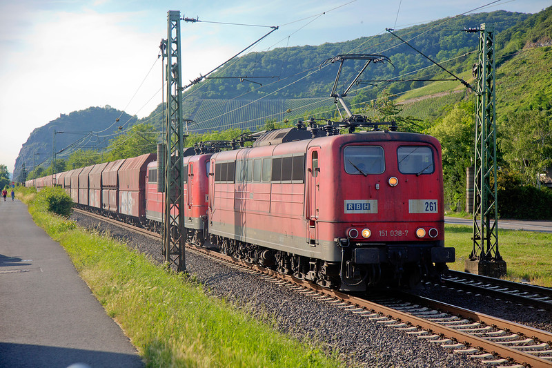 The old order at Leutesdorf. 151-038 with a U.I.D. sister head a coal train southward on June 14th 2015