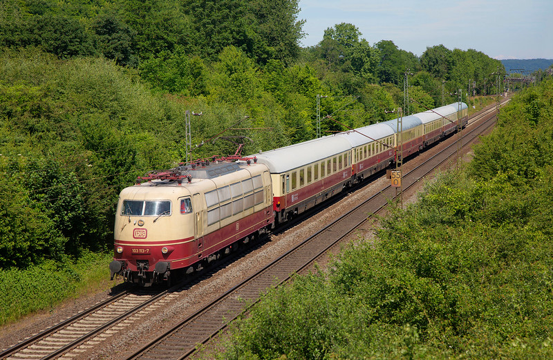 """103-113 roars past Remagen with  TEE Special Railtour an 08:25 Koblenz Lutzel Museum Circular (via Koln and both sides of the Rhine), in connection with the Lutzel Museum's """"50 years of the 103"""" event on June 14th 2015"""