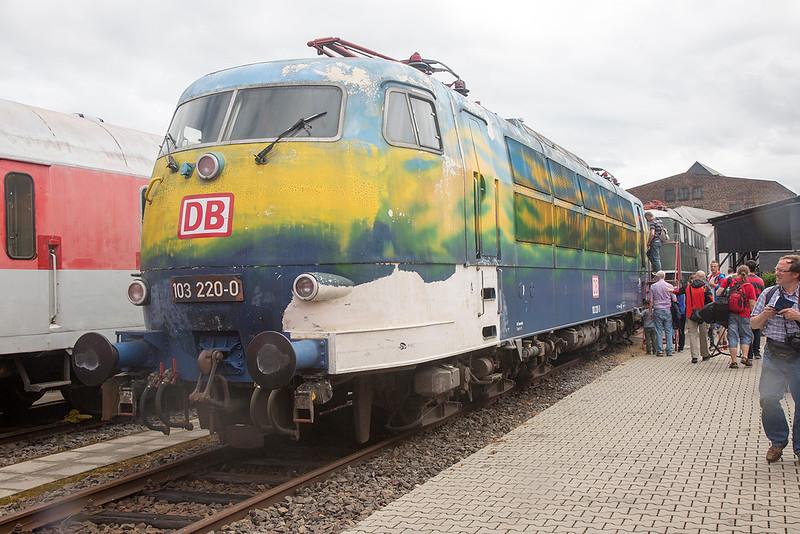 103-220 stands at Koblenz Lutzel on 13th June 2015
