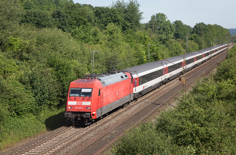 101-143 heads south at Remagen with IC7 Dortmund to Zurich on 14th June 2015.
