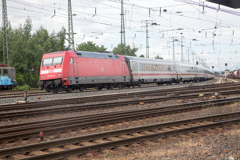 101-004 rounds the bend at Koblenz Lutzel on 13th June 2015
