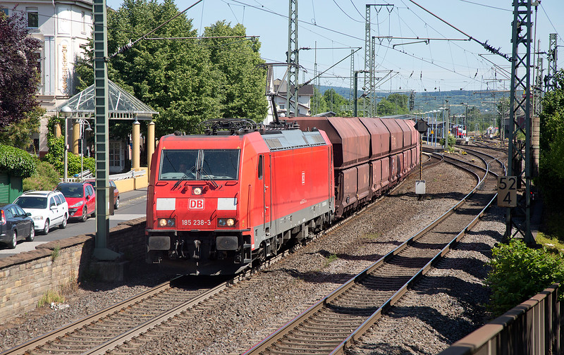 185-238 heads north at Remagen with a coal train on June 14th 2015
