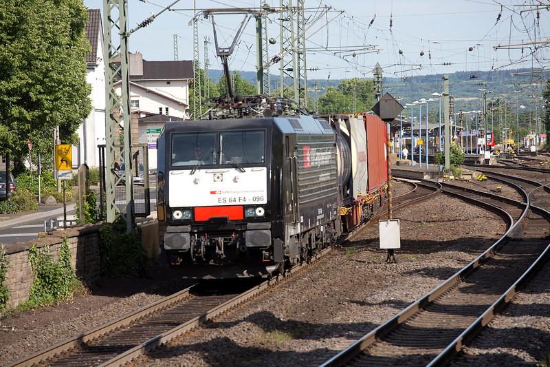 SBB ES64-F4-096 heads a northbound freight at Remagen on June 14th 2015