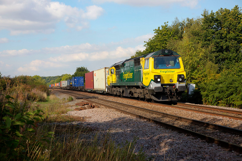 70009 heads past Crofton the 4O55 Leeds to Southampton on 30th September 2015