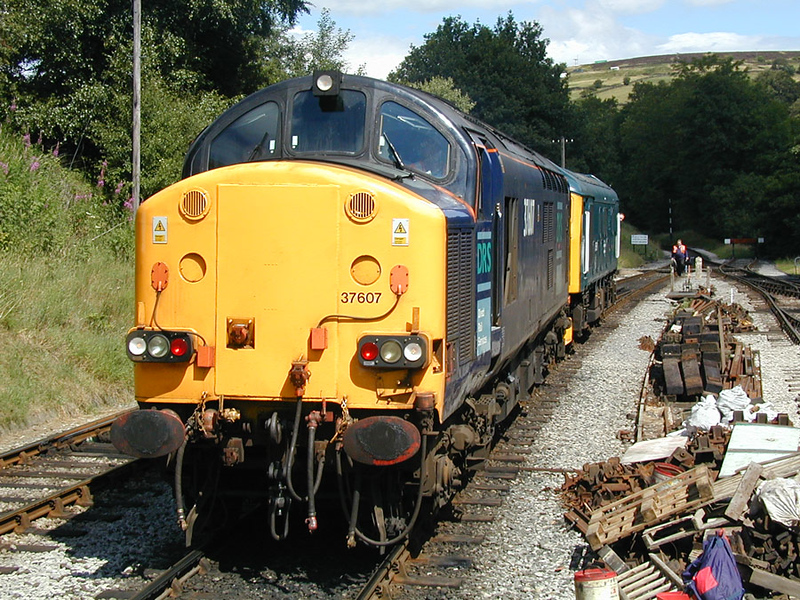 37609 25059 - Oxenhope - 05/08/2001