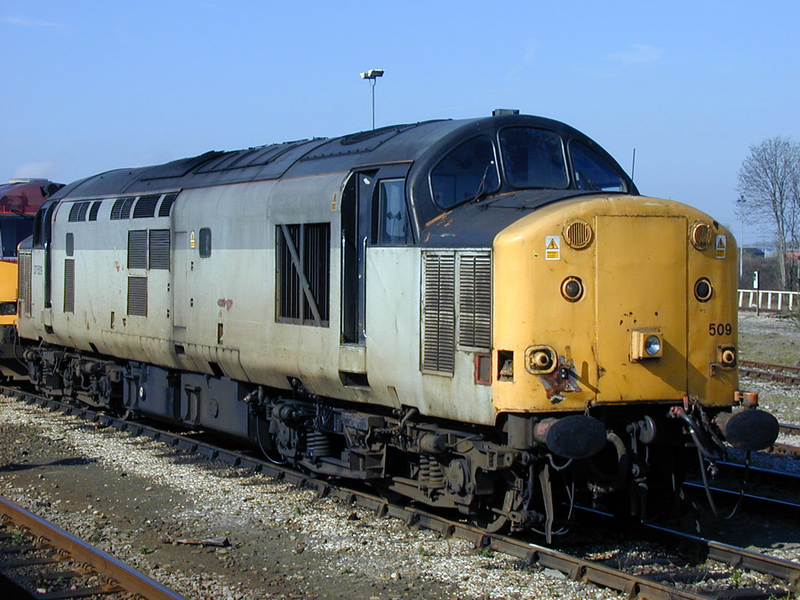 37509 stabled  at Didcot 12-03-00