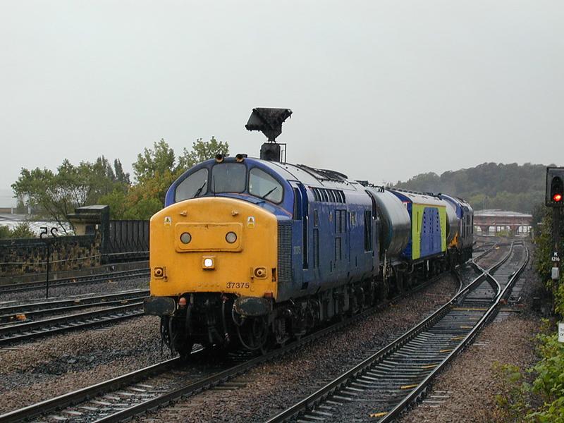 37375 37372 - Wakefield Kirkgate - 10/10/2000