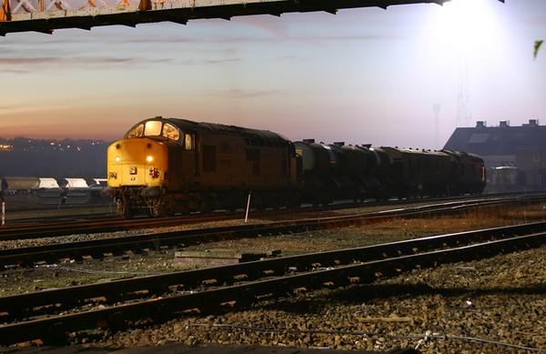 37709 - Healey Mills - 23/11/2003