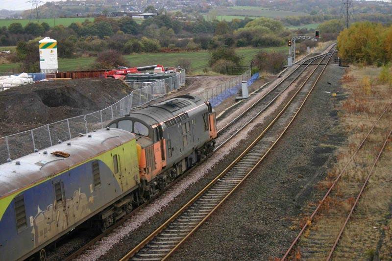37516 - Healey Mills - 31/10/2003