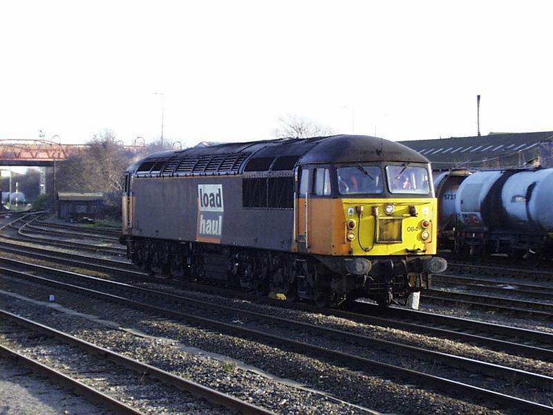 56084 runs past Knottingly stn 30-12-98