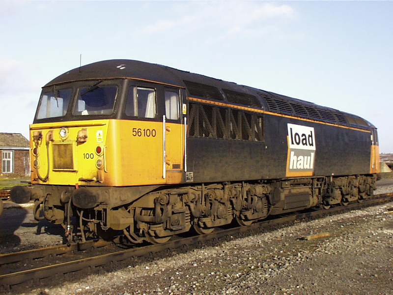 56100 stabled in scunthorpe yard 02-01-99