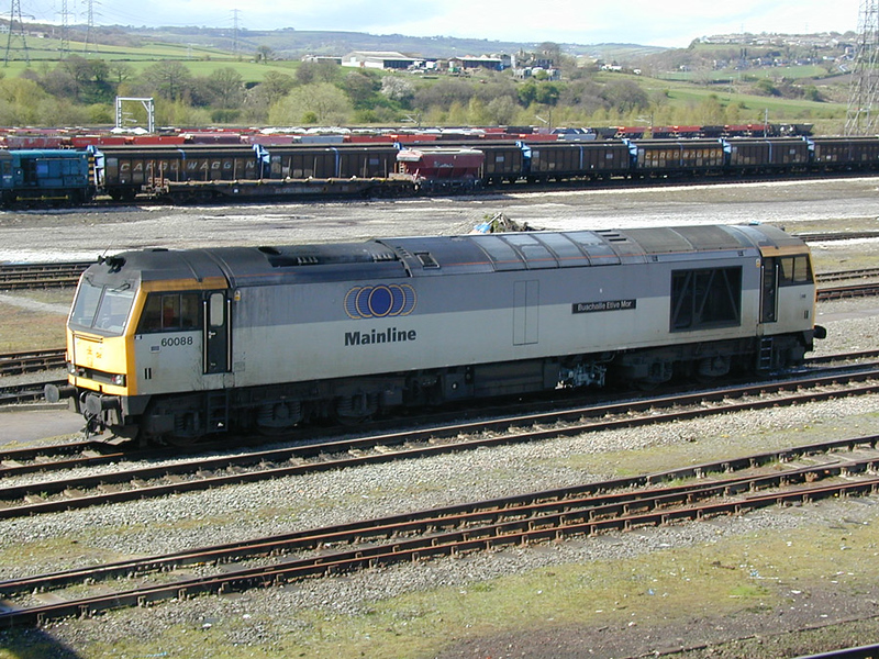 60088 stabled in HM yard 28-04-01