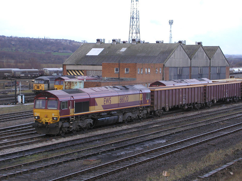 66020-stands-on-mba-wagons-