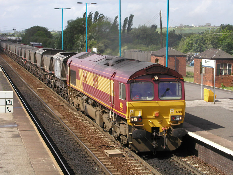 66151-with-empty-mgr-at-Bar