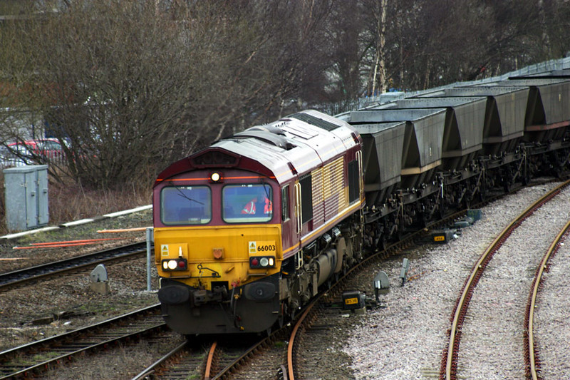 66003 arrives at HM with an empty mgr train 08-03-04