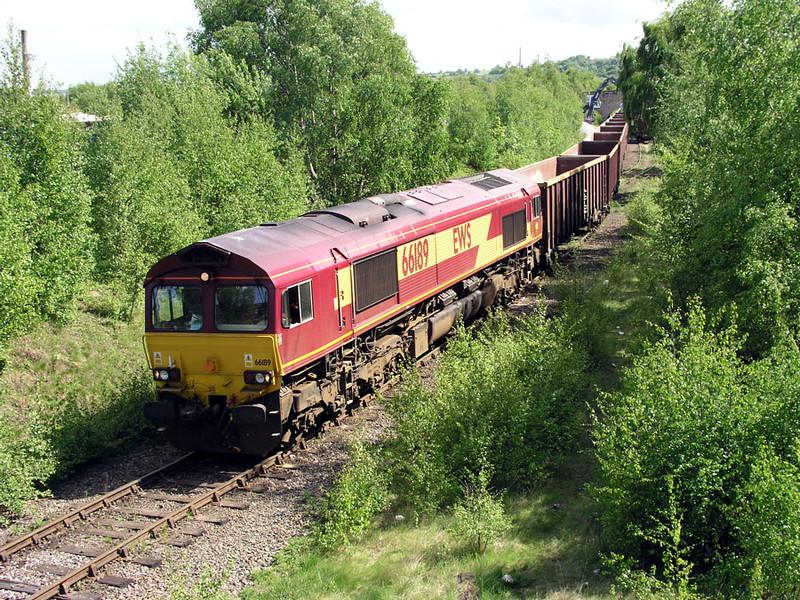 66189-at-Dewsbury-6D48-0847
