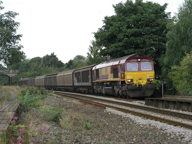 66005_at_Dewsbury_East_Junction_6E33_1057_Knowsley