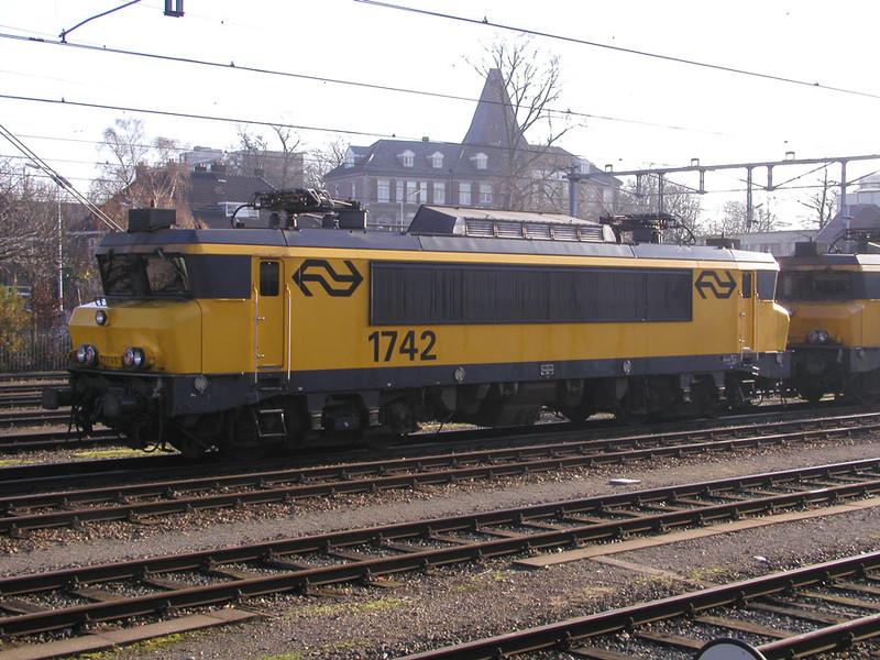 1742 stabled at Maastricht on 27th November 2002