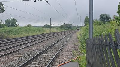 91110 passes Welham Green at 0815/1D05 Kings Croos to Leeds  19/06/21