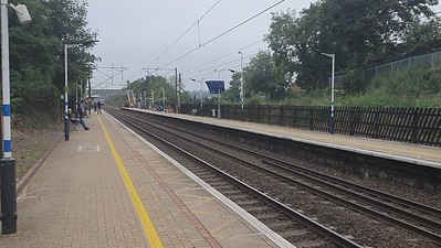 67002 tnt 67007 passing Welwyn North 0846/1Z26 Kings Cross to Shrewsbury, UK Railtours 'Shrewsbury in Autumn' Charter   25/09/21