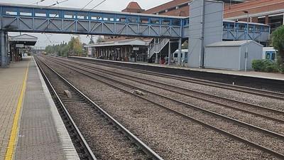 37254 tnt 37612 passing Welwyn Garden City ta 1220 on 0925/1Z66 Tonbridge West Yard to Derby RTC   17/10/21  Consist.... 9481, 72639, 977974, 9708