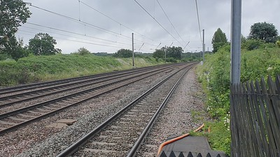 91124 passes Welham Green at 0847/1D06 Kings Croos to Leeds  19/06/21