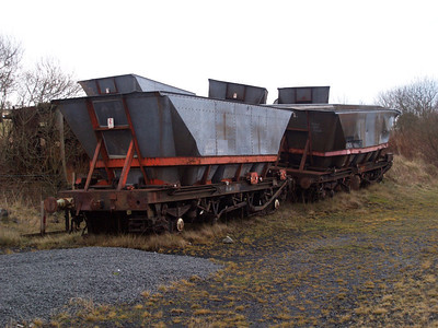 The Dalmellington 6. The 6 HAAs derailed and left at Dalmellington on 17/01/07.               Left to Right HAA 354456 and HAA 366098.