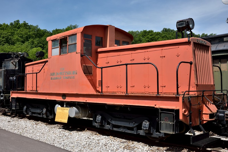 Joplin-Pittsburg Railroad No.2003 400 hp  industrial shunter<br /> built by the Plymouth Works Ohio in 1936<br /> <br /> The Museum of Transportation St Louis.MO.<br /> 19 May 2015