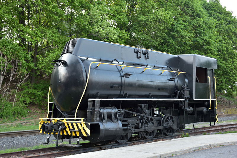 Former Pennsylvania Power and Light 0-6-0F Fireless loco No.4093 <br /> built by H.K. Porter, cosmetically restored on static display at Tamaqua .PA.<br /> <br /> 9  May 2015