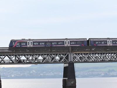 170426 rumbles across the Tay Bridge, towards Dundee, on the 15th October 2011