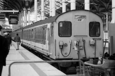 302222 stands at London Liverpool Street during 1991