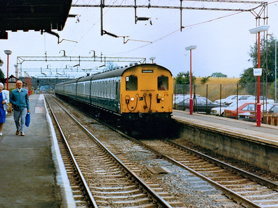 302219 arrives at Kelvedon during Summer 1986