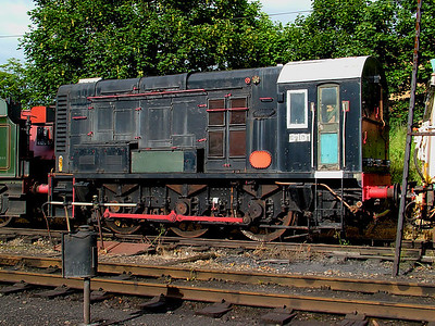 3101 awaits restoration work at Loughborough Central on the 16th June 2007