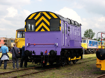 08447 shows off it's owner's new colours at Long Marston on the 7th June 2008