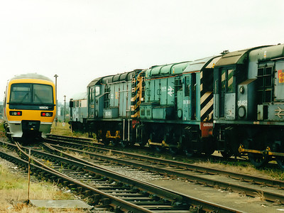 08389 (with 08414) at Old Oak Common TMD on the 5th August 2000