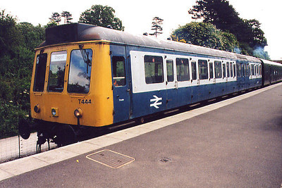 A class 117 at Pitsford on the 11th June 2000