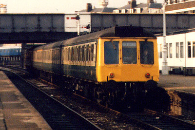 A class 115 at London Marylebone in Summer 1986