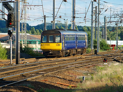 142007 starts it's shunting manoeuvres to gain access to platform 4 at Warrington Bank Quay on the 7th July 2007